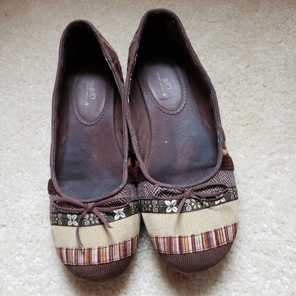 SO flats brown corduroy patch work size 9.5 flats
